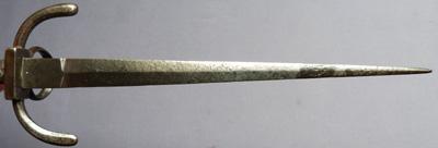 1600-left-hand-dagger-7
