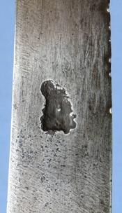 1690-hunting-hanger-kings-head-mark-8
