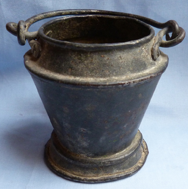 18th-19th-century-smelting-pot-1