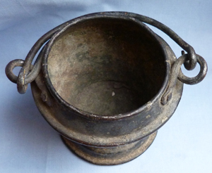 18th-19th-century-smelting-pot-3