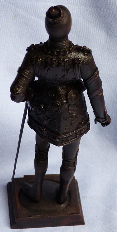 19th-century-carved-wooden-knight-4