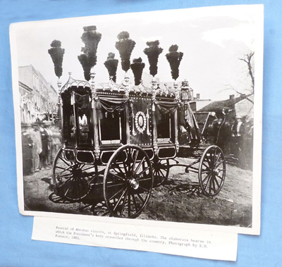 abraham-lincoln-funeral-photograph-1