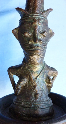 1_african-antique-bronze-statue-4
