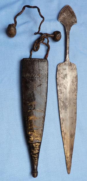 african-daggers-5