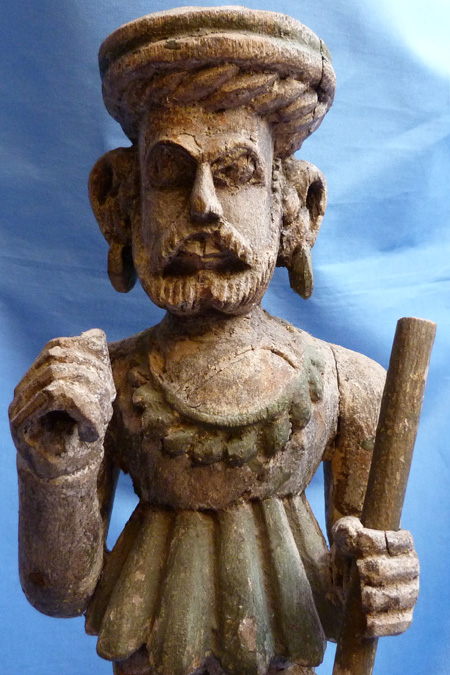 anglo-indian-statue-2