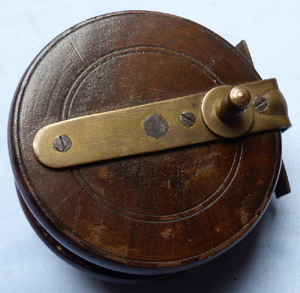 antique-fishing-reel-2
