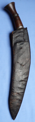 antique-kukri-and-scabbard-1