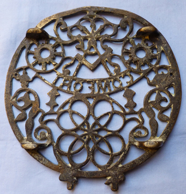 antique-masonic-trivet-3
