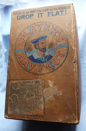 antique-players-navy-cut-box-1