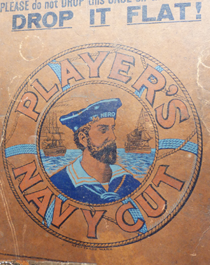 antique-players-navy-cut-box-2