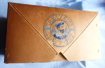 antique-players-navy-cut-box-5