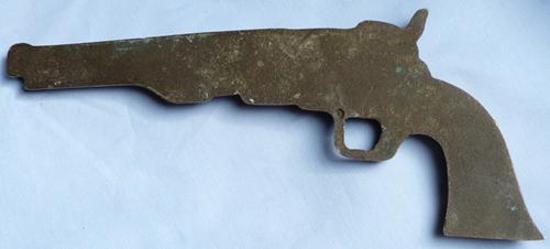 brass-colt-pistol-plaque-4