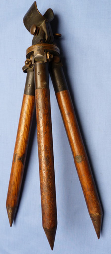 british-ww1-army-tripod-3