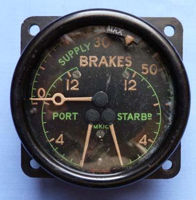 british-ww2-aircraft-brakes-gauge-1