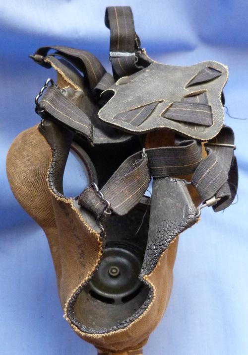 british-ww2-army-gas-mask-2