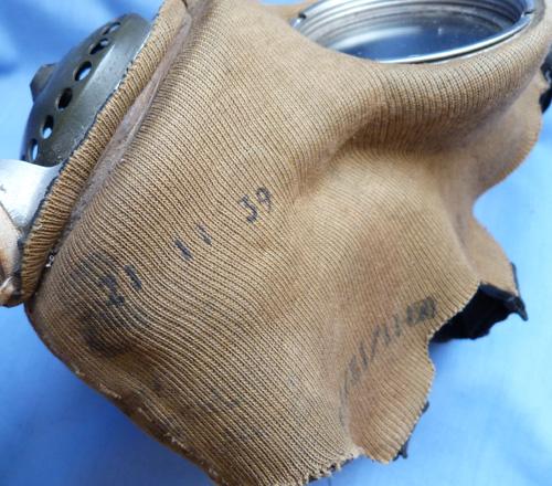 british-ww2-army-gas-mask-4
