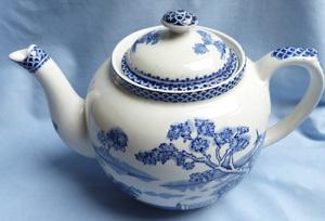 clyde-burslem-teapot-2