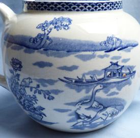 clyde-burslem-teapot-4