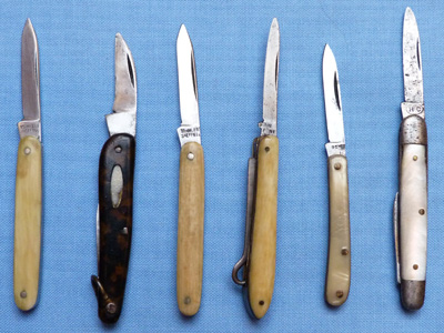 collection-of-miniature-penknives-2
