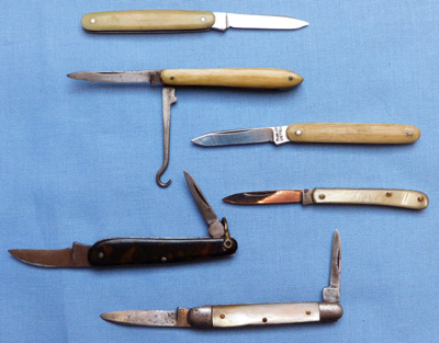 collection-of-miniature-penknives-3