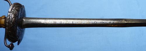 english-1640-dish-hilt-sword-10