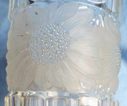 french-art-deco-glass-vase-2