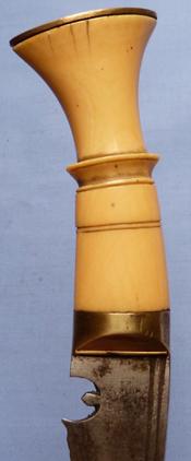 gurkha-silver-mounted-kukri-4