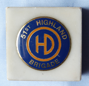 highland-division-paperweight-1