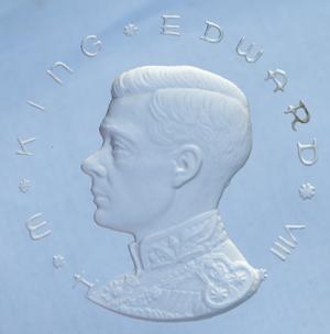 king-edward-vIII-glass-dish-2
