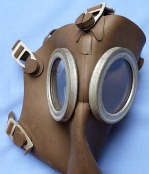 model-1938-french-gas-mask-2