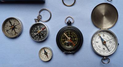 modern-compasses-set-2