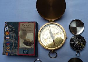 modern-compasses-set-3