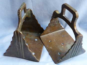 ottoman-turkish-bronze-stirrups-1