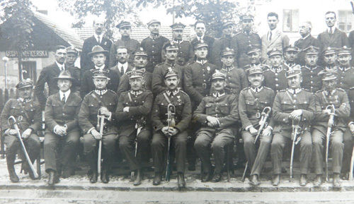 polish-military-officers-photograph-1