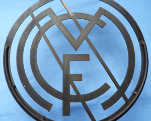 real-madrid-stadium-sign-3