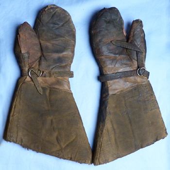 royal-flying-corps-gauntlets-2