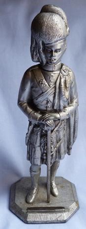 scottish-soldier-statue-1