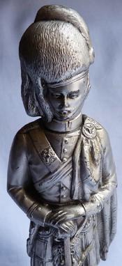 scottish-soldier-statue-3