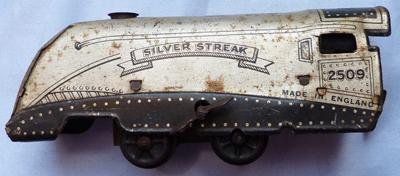 silver-streak-tinplate-train-1