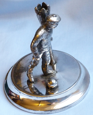 vintage-football-statue-2