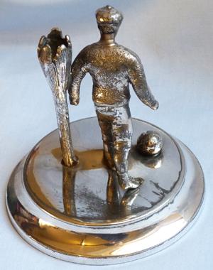 vintage-football-statue-3