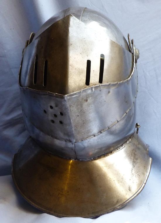 vintage-helmet-armour-1