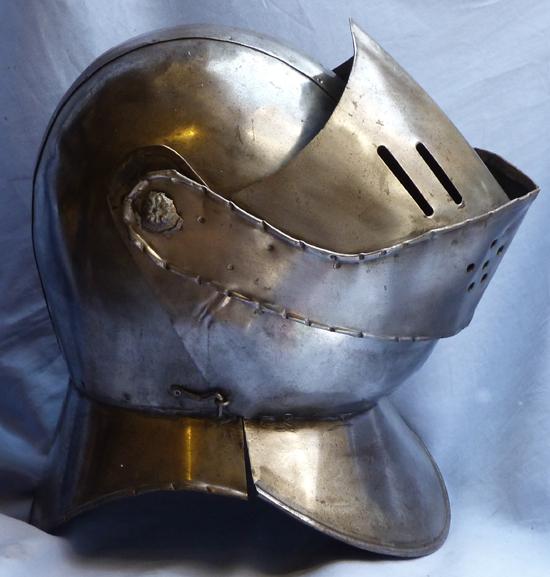 vintage-helmet-armour-2