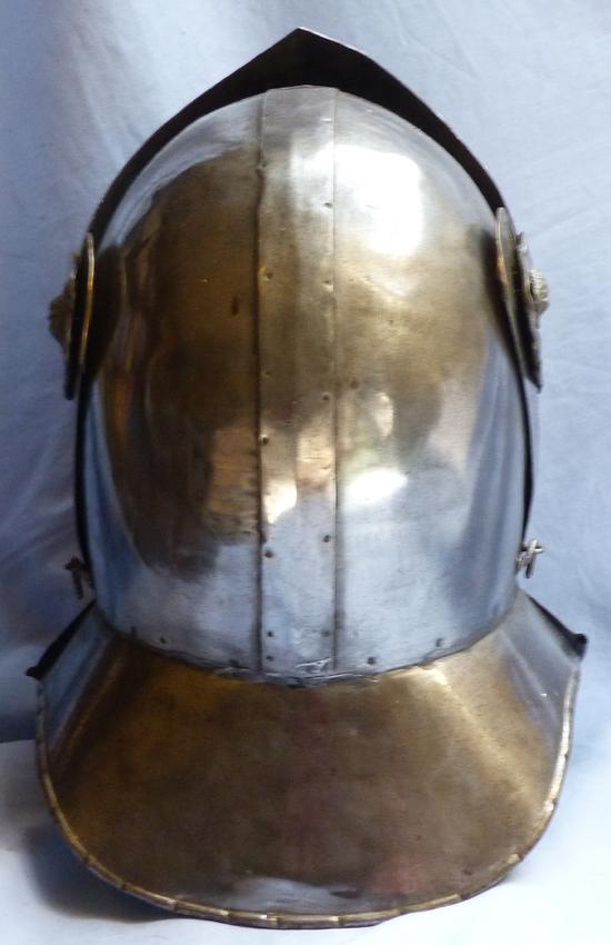 vintage-helmet-armour-3