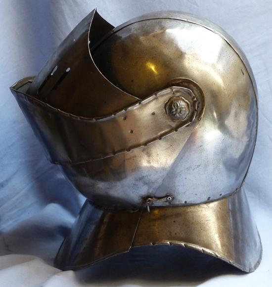 vintage-helmet-armour-4