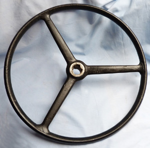 vintage-lorry-steering-wheel-1