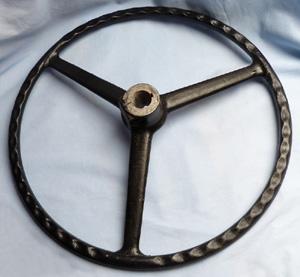 vintage-lorry-steering-wheel-2