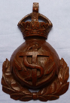 wooden-royal-navy-treen-badge-1