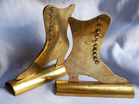 ww1-trench-art-shoe-bookends-2