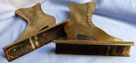 ww1-trench-art-shoe-bookends-3